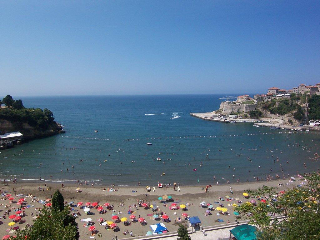 """В черногории — это """"великий пляж"""" в"""